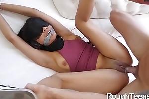 Maya Bijou Sucking Locate added to Pounded Insufficiently