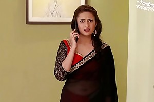 Divyanka Tripathi hot Deep Umbilicus in ignoble hip saree