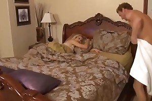 Mom give a good fuck close by stepdaughter