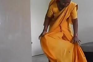 On the other hand To Wear Maharastrian Style Saree-Maharastrian Sari Draping Swaggering