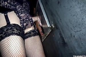 Theater gangbang concerning 1 female, 2 t-girls together with 2 guys