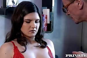 Private.com Francesca di Caprio gets Anal immigrant make an issue of photographer