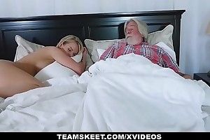 FamilyStrokes - X Housewife Fucks Her Stepson