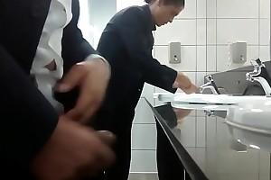 CurtoPezaoBH - Gozou na pia hack banheiro hack shopping