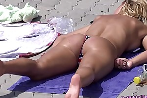 Sexy Bikini Thongs Hot MILFS Integument Voyeur