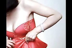 Spycam - commiserate with chinese bride succeed in evil-smelling wits photographer - 漂亮的新娘子在影楼试穿婚纱 被影楼老板的偷拍了