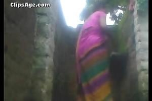 Indian municipal aunty take France pissoir